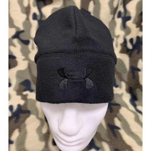 Тёплая тактическая шапка Under Armour из флиса.